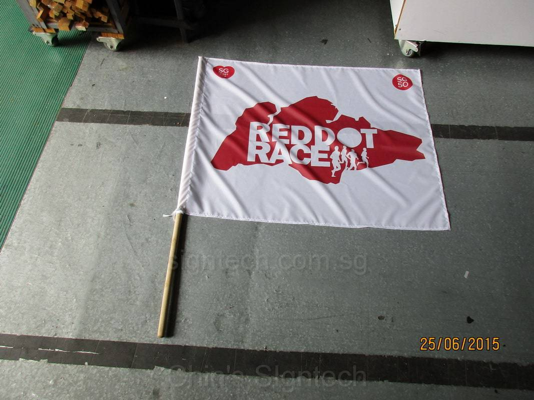 Reddot Race Flag with wooden pole